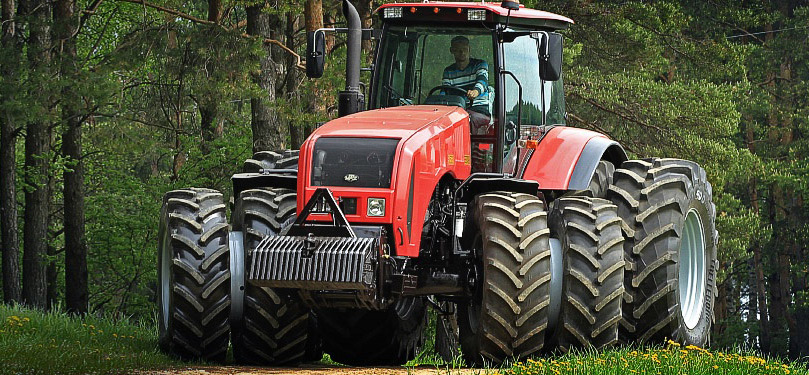 The tractor BELARUS-3522 is designed for performing energy-intensive agricultural operations in traction and traction-drive modes as a part of wide-grasping and combined units