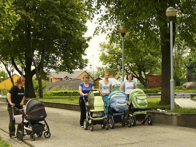 في بيلاروس يعتبر وجود كثير من الأطفال في الأسرة شرف  كبير. صور: ألفريد ميكوس (interfax.by)