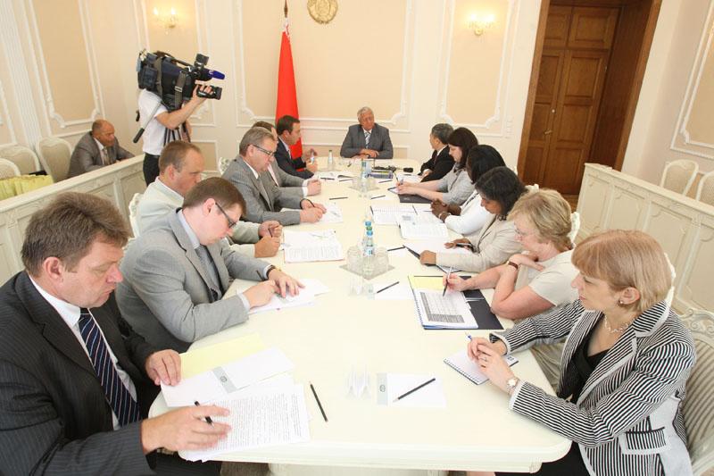 تقترح بيلاروس على البنك الدولي مناقشة مسائل التحضير لإستراتيجية تعاون جديدة. صور: مكسيم غوتشيك (БелТА)