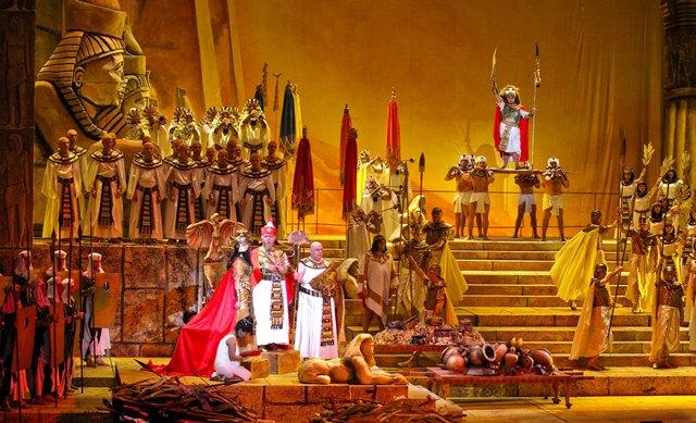 """Опера """"Аида"""" Джузеппе Верди в постановке Национального академического Большого театра оперы и балета"""